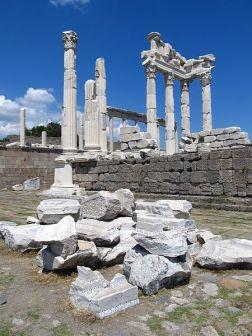 450px-Bergama_acropolis