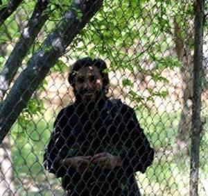 Het Syrische nationale leger (SNL) kon de Saudische huurling veldcommandant Abu Hydrih in Oost-Ghoutha op het platteland van Damascus doden. Op 9 april 2014 kon het SNL in Oost-Ghouta meer dan 25 terroristen doden en 25 anderen aanhouden door ze in een hinderlaag te lokken. Bij de voorbije vier hinderlagen tegen terroristen in Oost-Ghouta kwamen ruim 340 terroristen om het leven, aldus @Isham_AlAssad.