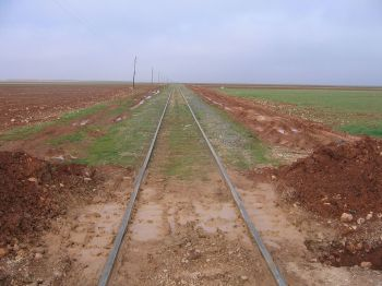 1280px-Bagdadbahn_nördlich_von_Aleppo