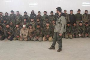 Gevangen genomen soldaten van het Syrische nationale lger ( inRatyan
